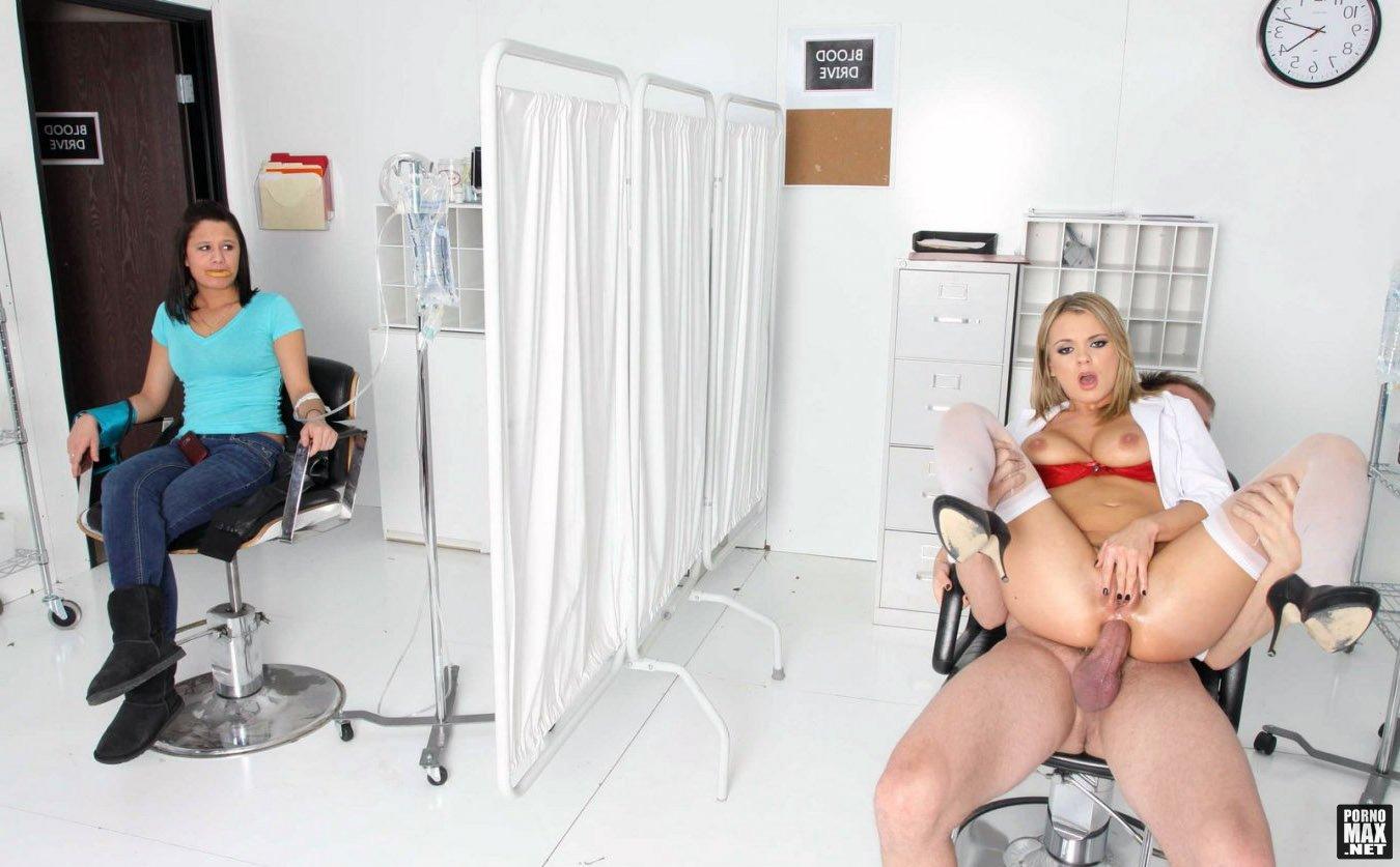 Скачать Порно Как Медсестры На Практике Берут Анализы С Члена
