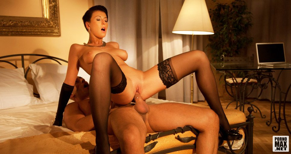 Мадемуазель из парижа порно онлайн