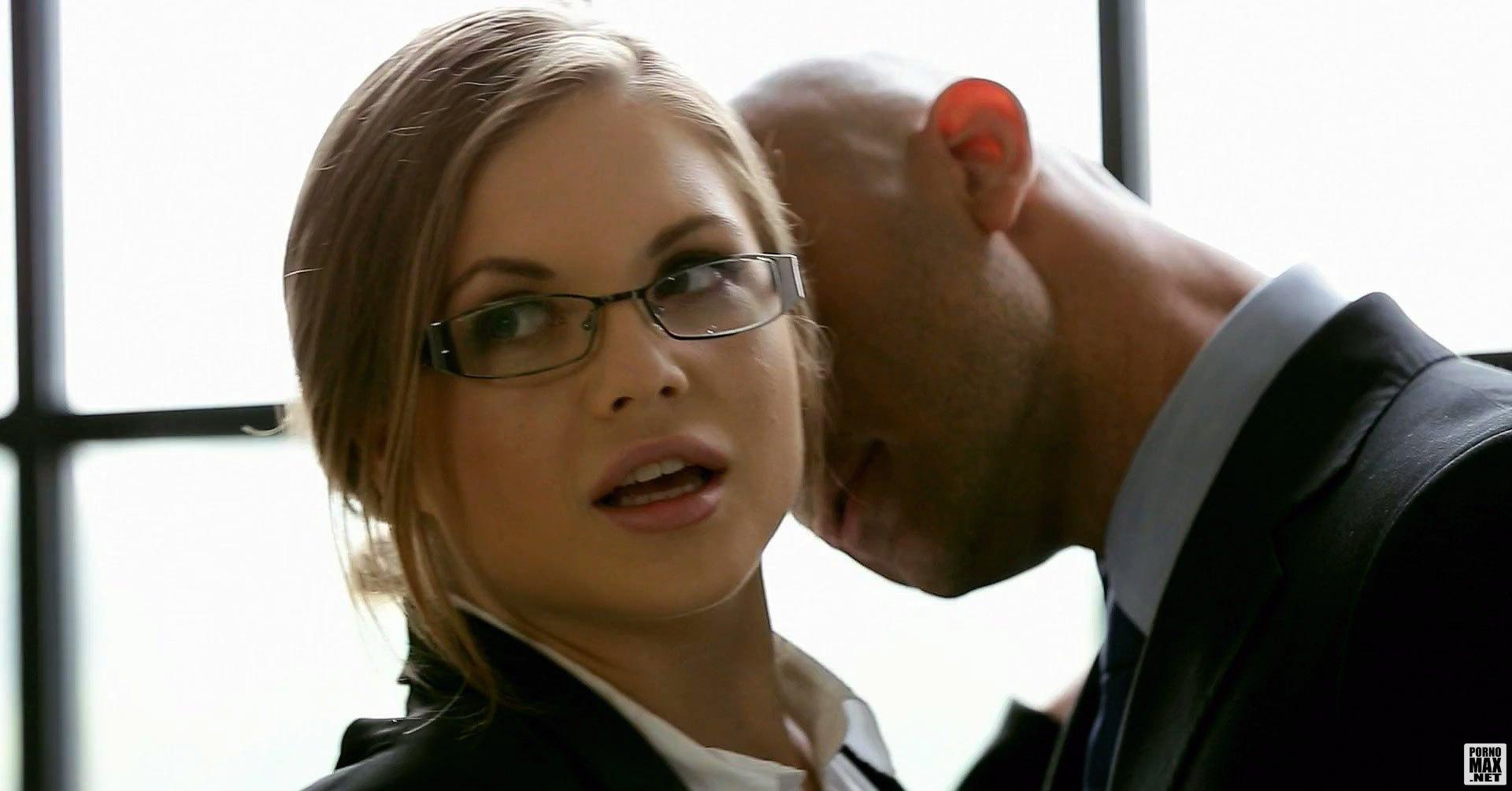 Порно онлайн секретарши в очках фото 496-430